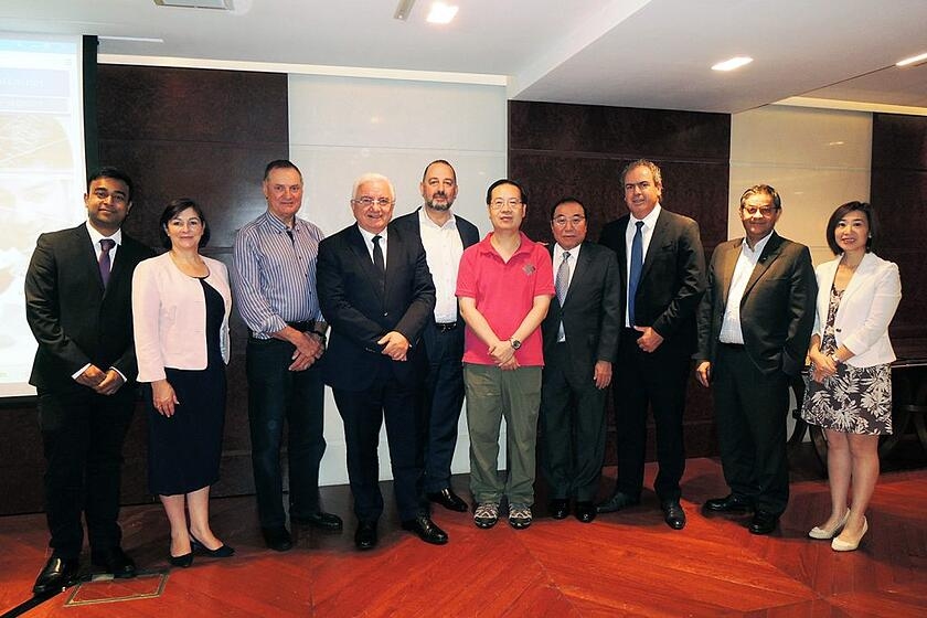 The Executive Committee of the World Diamond Mark Foundation meet in Hong Kong.